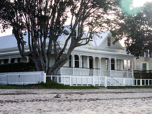 Cheltenham Beach White timber House on beachfront