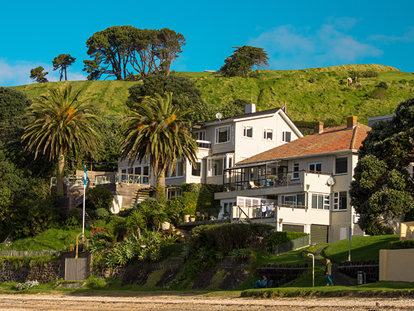 Cheltenham Beach Homes overlooking beach