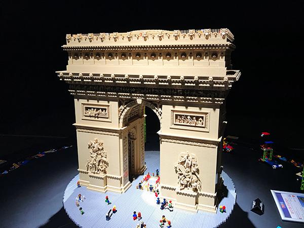Arch de Triumph Paris Lego brick model
